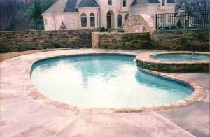 5 Modern Designs to Enhance Your Pool Style